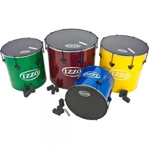 Surdo Nesting 4 pack, Izzo, pack shot. It contains of four Nesting Surdo, each one of the 12in diameter, aluminium, Izzo (Blue), 14in diameter, aluminium, Izzo (Green), 16in diameter, aluminium, Izzo (Yellow), and 18in diameter, aluminium, Izzo (Red). All four Surdos have black trims and black synthetic skins.